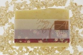 صابونة HONEY OATMEAL SOAP