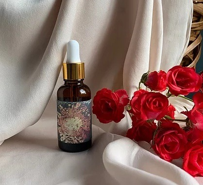 The Rejuvenation Oil. The Love Potion with 660 roses من  Health Witch's